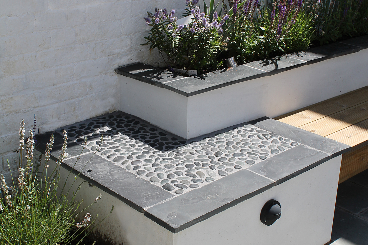Contemporary courtyard outerspace for Outer space garden design cumbria