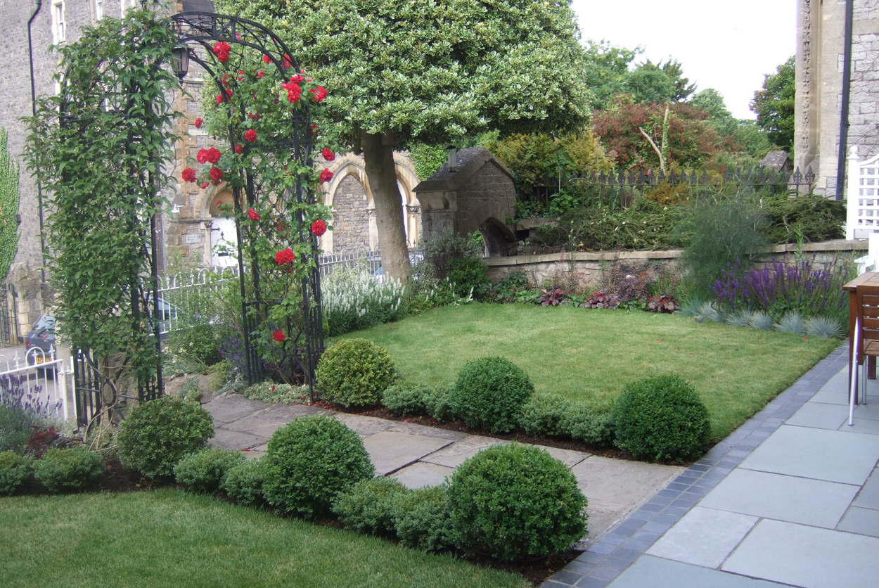 Private Front Garden | outerspace